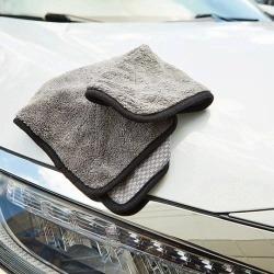 Pliušinis audinys automobiliui