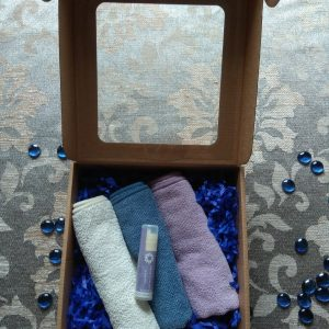 Lūpų balzamas – gervuogių – Audiniai makiažui ir kūnui valyti/ dovanų dėžutėje